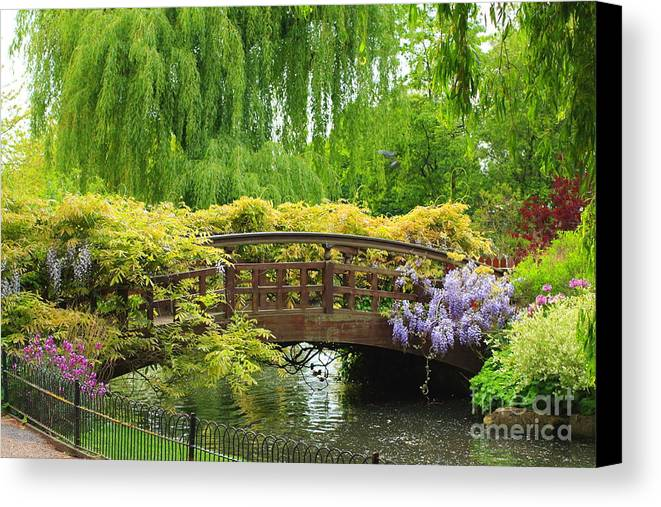 Beautiful Canvas Print featuring the photograph Beautiful Garden Art by Boon Mee