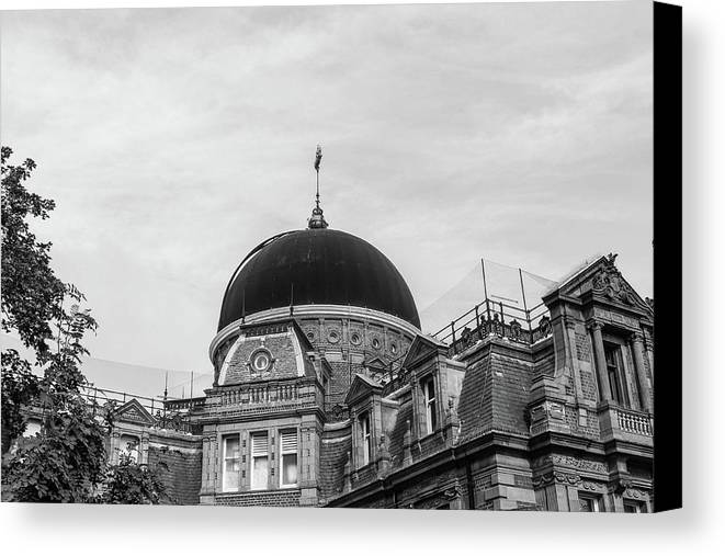 Canvas Print featuring the photograph Black Dome by Alfaisal Mishkhas