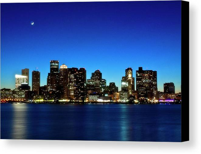 Horizontal Canvas Print featuring the photograph Boston Skyline by By Eric Lorentzen-Newberg