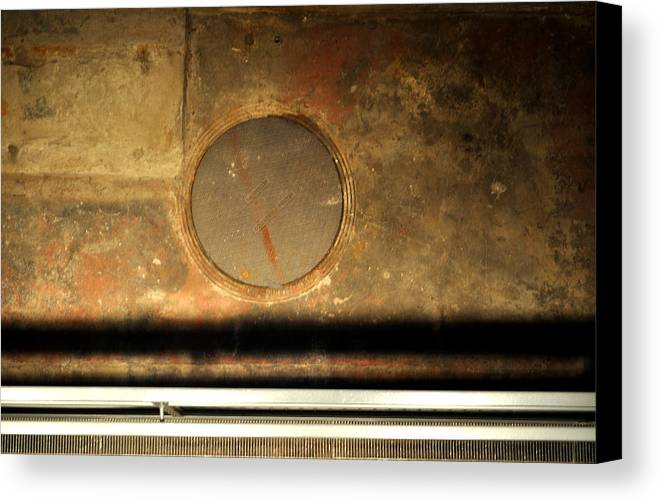 Manhole Canvas Print featuring the photograph Carlton 15 - Square Circle by Tim Nyberg