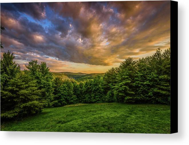 Sunset Canvas Print featuring the photograph Catskill Sunset by Greg Efner