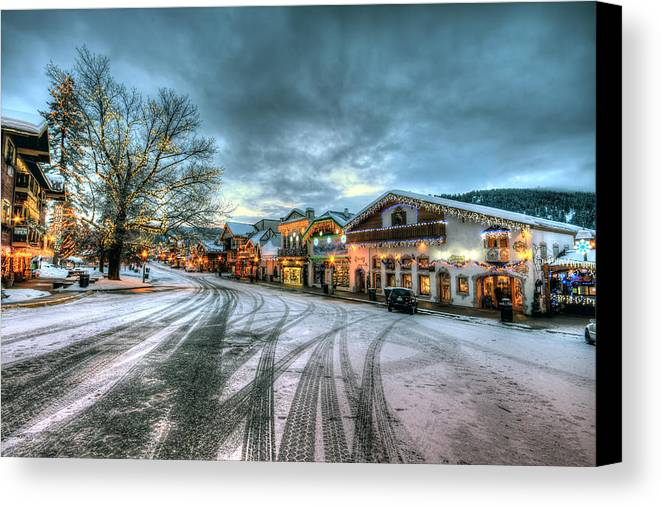 Hdr Canvas Print featuring the photograph Christmas On Main Street by Brad Granger