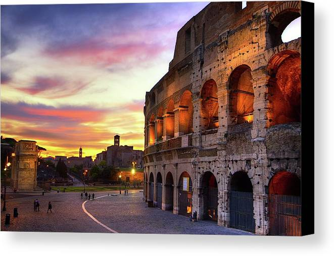Horizontal Canvas Print featuring the photograph Colosseum At Sunset by Christopher Chan
