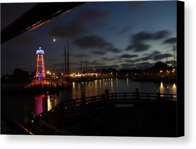 Enkhuizen Canvas Print featuring the photograph Enkhuizen By Night by Johan Van der knokke