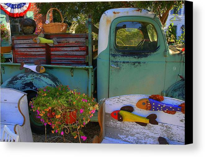 Canvas Print featuring the photograph Fall Americana by Curtis Brackett