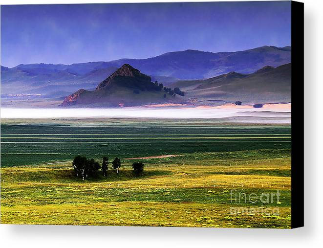 Landscape Canvas Print featuring the photograph Flat Lands Of Kunming by Dot Xie
