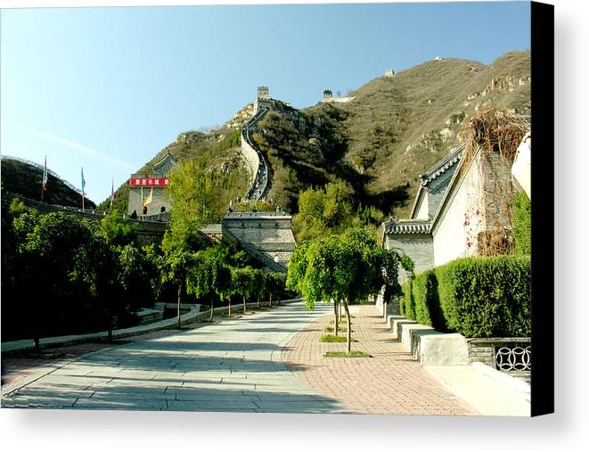 Landscape Canvas Print featuring the photograph Great Wall Of China by Ralph Perdomo