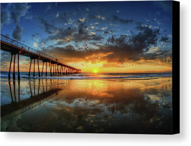 Horizontal Canvas Print featuring the photograph Hermosa Beach by Neil Kremer