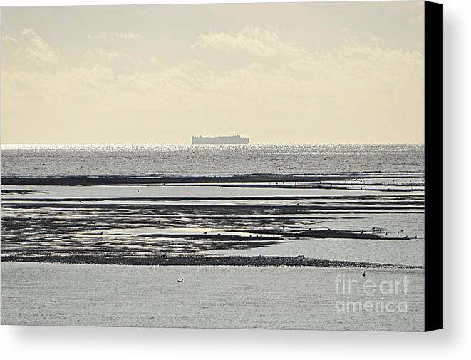 Exmouth Canvas Print featuring the photograph Horizon by Andy Thompson