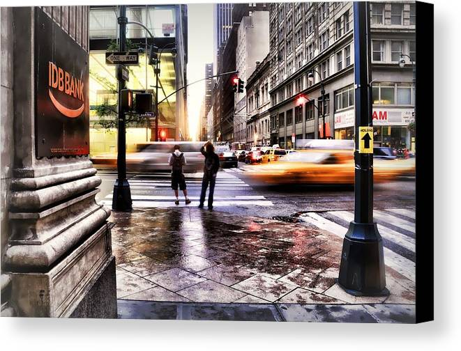 Nyc Canvas Print featuring the photograph Idb On Fifth by Diana Angstadt