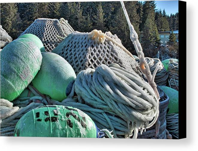 Icy Pots Canvas Print featuring the photograph Icy Gear Hdr by Cathy Mahnke