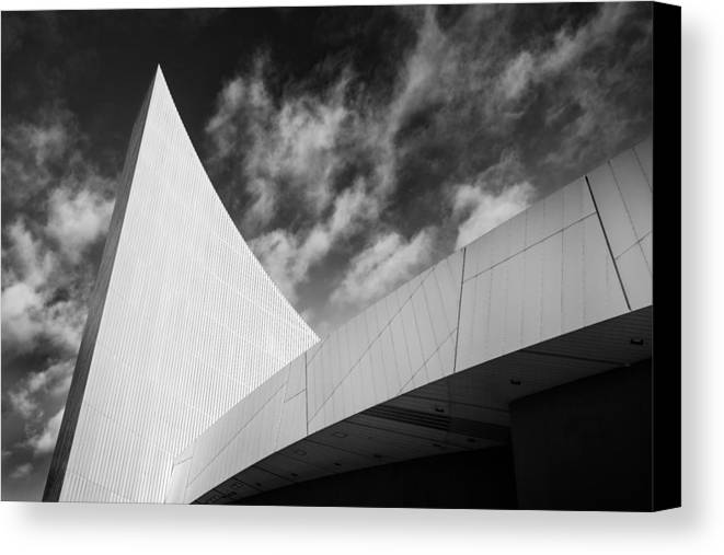 England Canvas Print featuring the photograph Imperial War Museum, Manchester by Peter OReilly