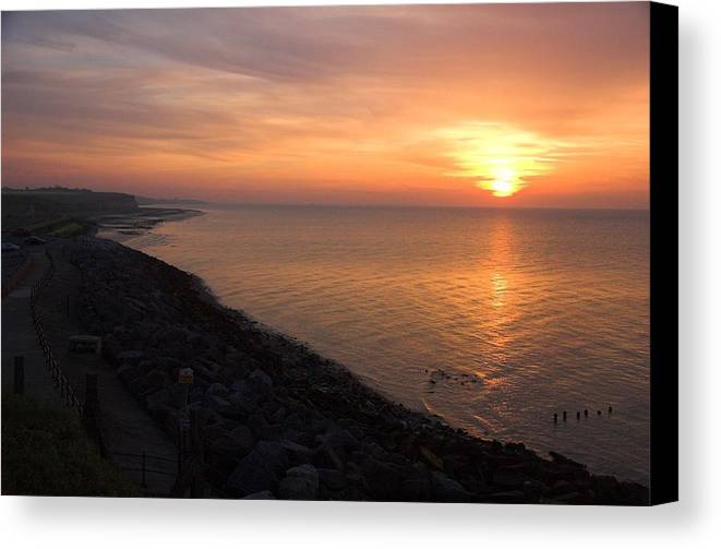 Sunset Canvas Print featuring the photograph Kentish Sunset by Chris Pickett