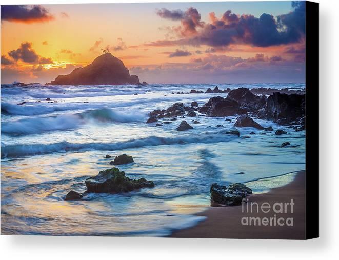 America Canvas Print featuring the photograph Koki Beach Harmony by Inge Johnsson