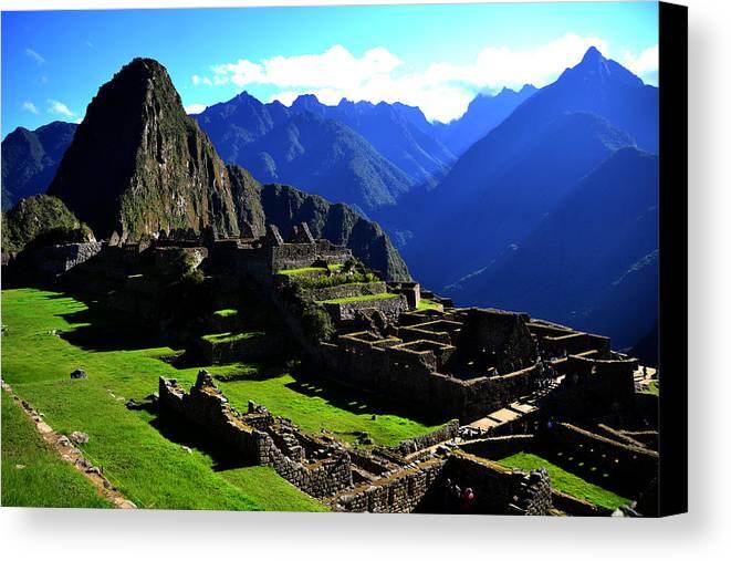 Machu Picchu Canvas Print featuring the photograph Machu Picchu by Harry Coburn