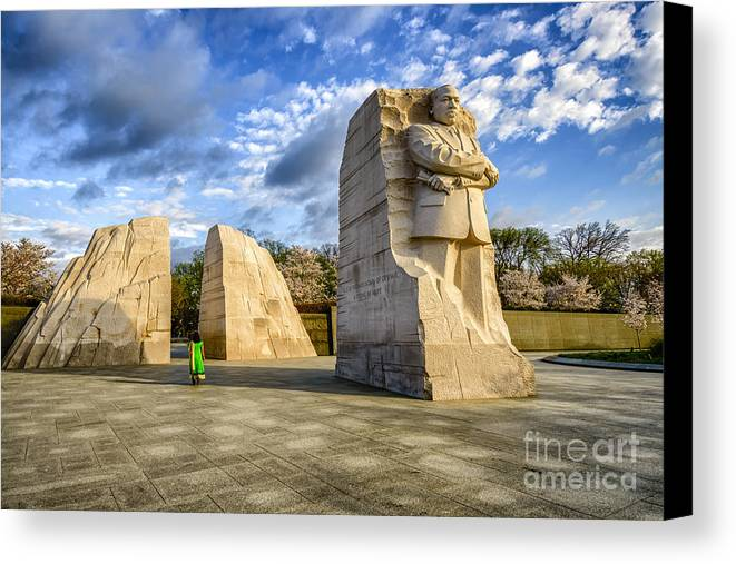Martin Luther King Jr Memorial Canvas Print featuring the photograph Martin Luther King Jr Memorial by Thomas R Fletcher