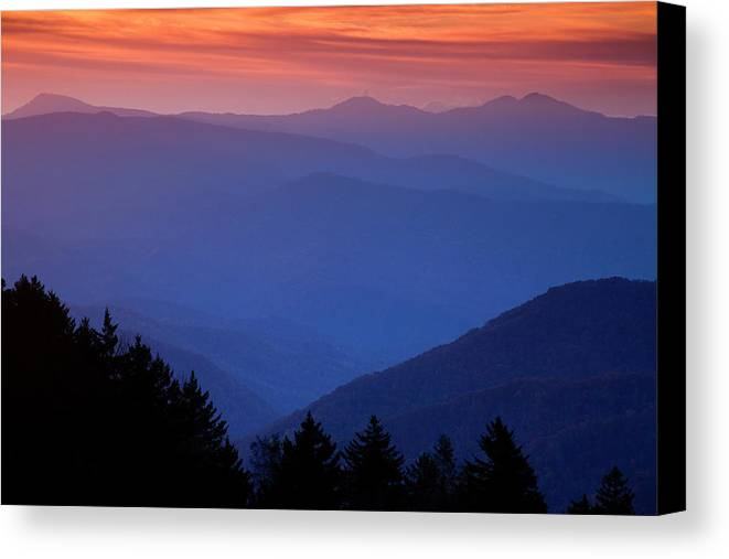 Smokies Canvas Print featuring the photograph Morning Colors In The Smokies by Andrew Soundarajan