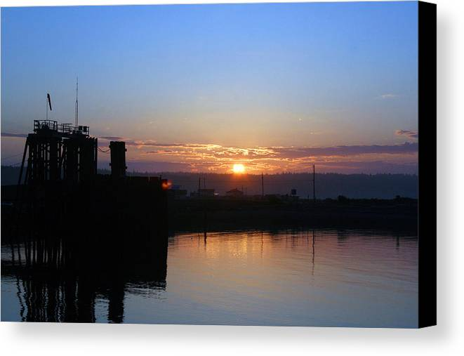 Sunrise Canvas Print featuring the photograph New Beginnings - Keystone Sunrise Sr 1003 by Mary Gaines