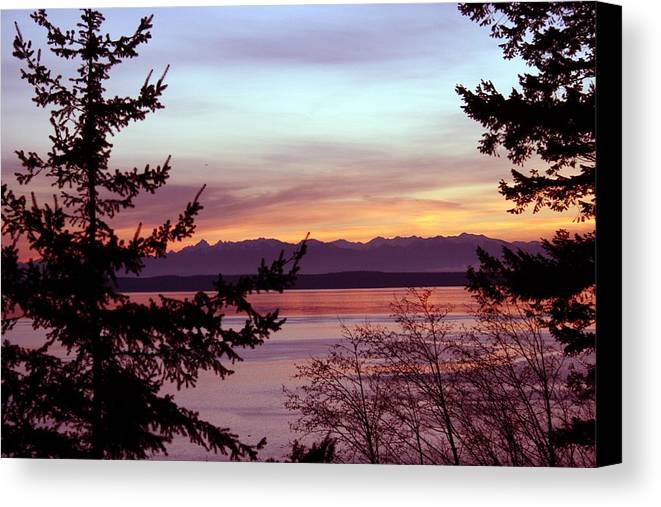 Sunset Canvas Print featuring the photograph Oak Harbor Sunset 1016 by Mary Gaines