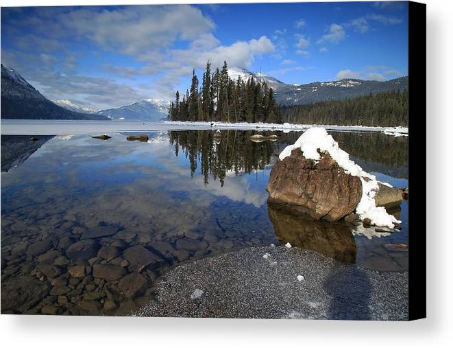 One Winters Morning Canvas Print featuring the photograph One Winters Morning by Lynn Hopwood