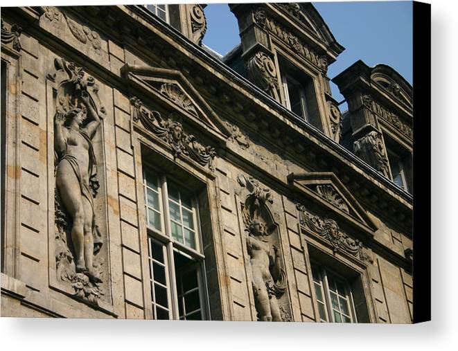 Canvas Print featuring the photograph Paris - Architecture 2 by Jennifer McDuffie