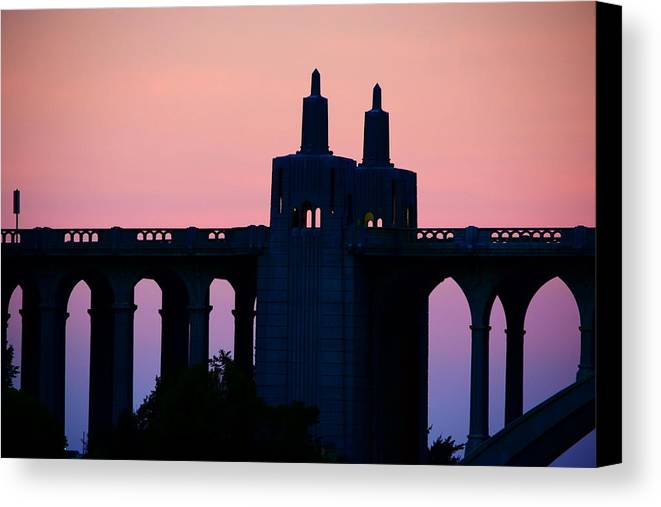 Pink Sky Canvas Print featuring the photograph Patterson Architecture Sunrise by Renita Confer