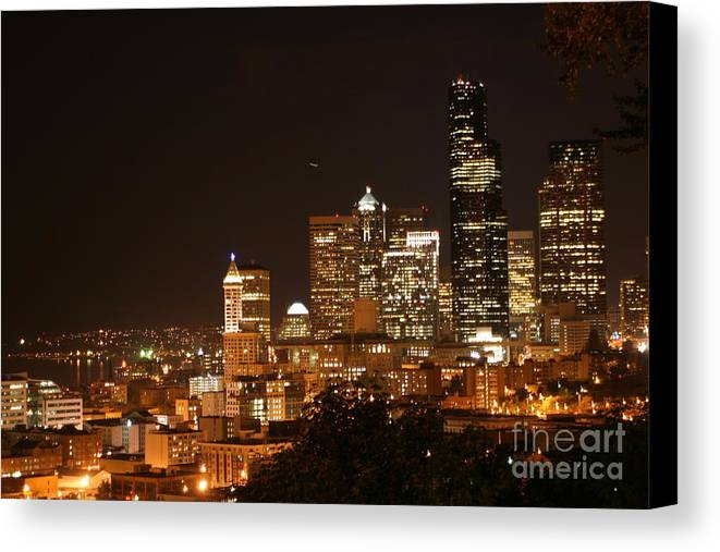 Night Canvas Print featuring the photograph Seattle At Night by Robert Torkomian