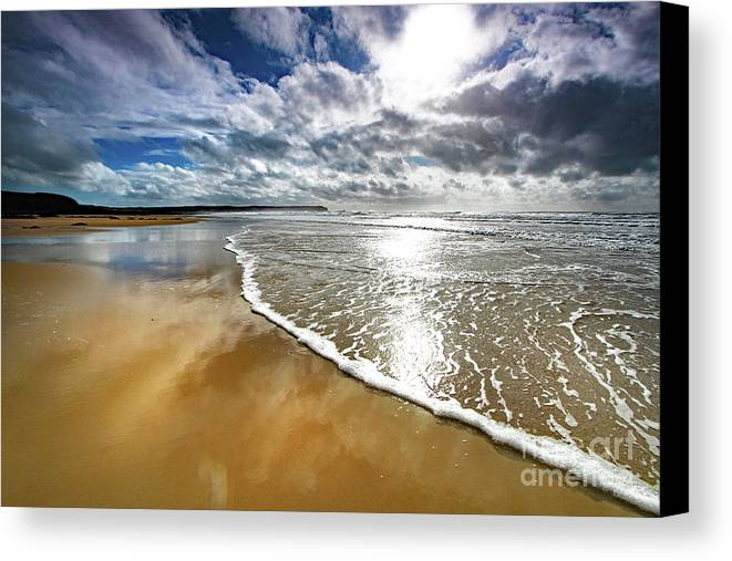 Seascape Canvas Print featuring the photograph Spindrift # 167 by Mark Haynes