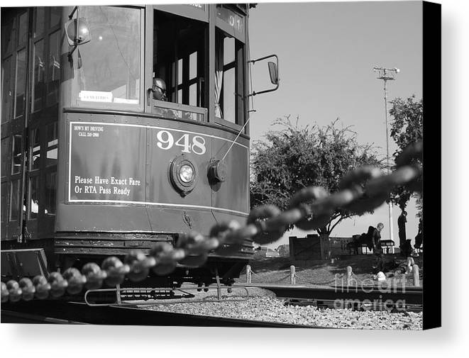 Street Car Canvas Print featuring the photograph Streetcar 948 by Jessa DeNuit