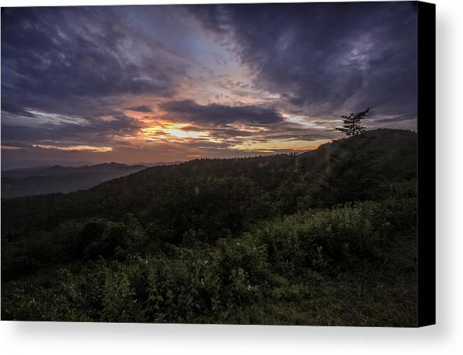 Sunset Canvas Print featuring the photograph Sundown by Susan Harris