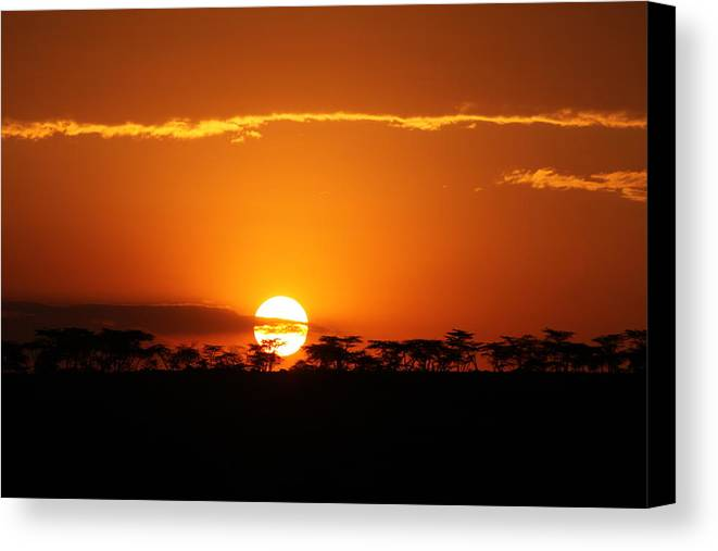 Sunset Canvas Print featuring the photograph Sunset On The Mara by Mauverneen Blevins