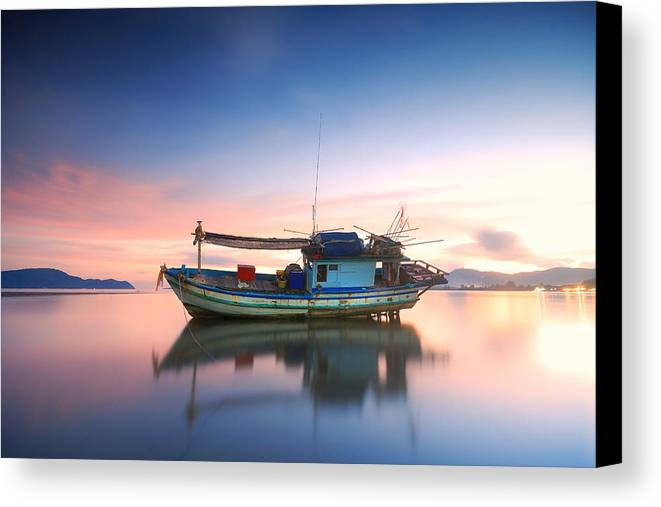 Beach Canvas Print featuring the photograph Thai Fishing Boat by Teerapat Pattanasoponpong