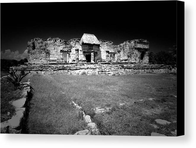 Landscapes Canvas Print featuring the photograph Tulum Market Square by Tom Fant