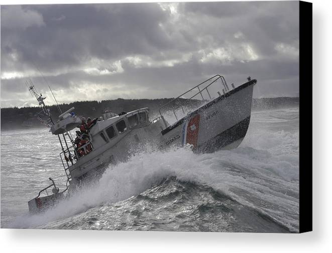 Horizontal Canvas Print featuring the photograph U.s. Coast Guard Motor Life Boat Brakes by Stocktrek Images