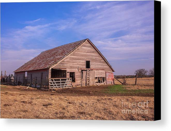 Barn Canvas Print featuring the photograph Weathered Old Barn by Sue Huffer