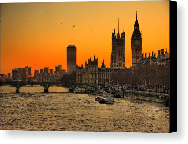 Horizontal Canvas Print featuring the photograph Westminster & Big Ben London by Photos By Steve Horsley