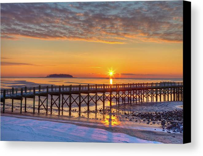 Landscape Photo Canvas Print featuring the photograph Winter Sunrise At The Beach by John Supan