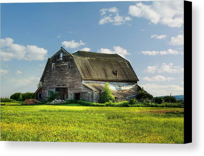 Barn Canvas Print featuring the photograph Working This Old Barn by Gary Smith