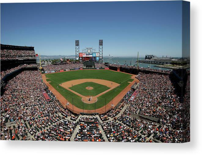 San Francisco Canvas Print featuring the photograph Chicago Cubs V San Francisco Giants by Ezra Shaw
