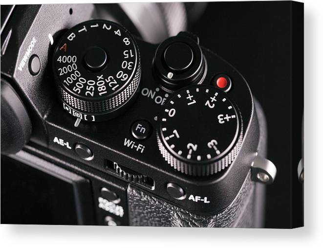 Nobody Canvas Print featuring the photograph Digital Slr Camera by Wladimir Bulgar/science Photo Library