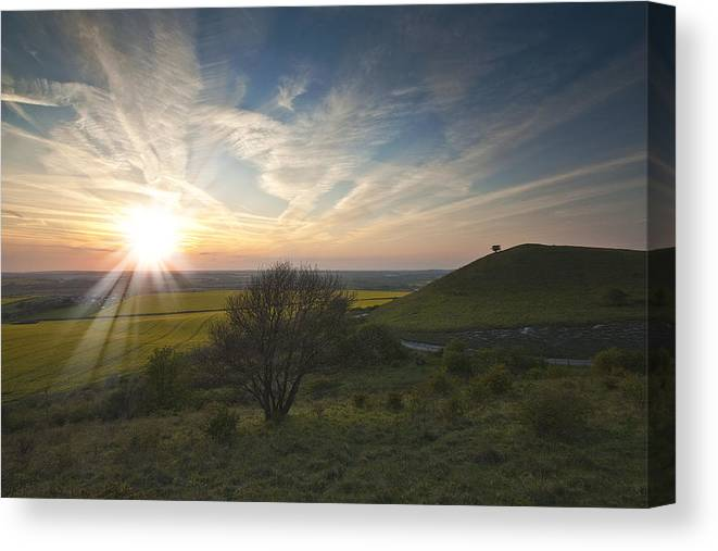 Ivinghoe Beacon Canvas Print featuring the photograph Ivinghoe Beacon by Graham Custance