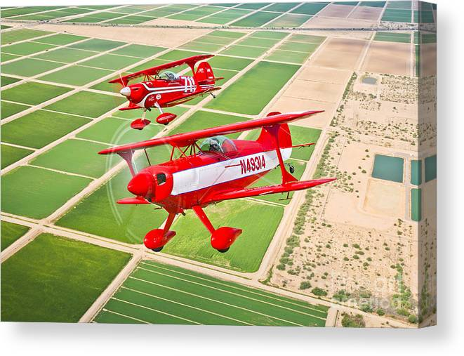 Horizontal Canvas Print featuring the photograph Two Pitts Special S-2a Aerobatic by Scott Germain