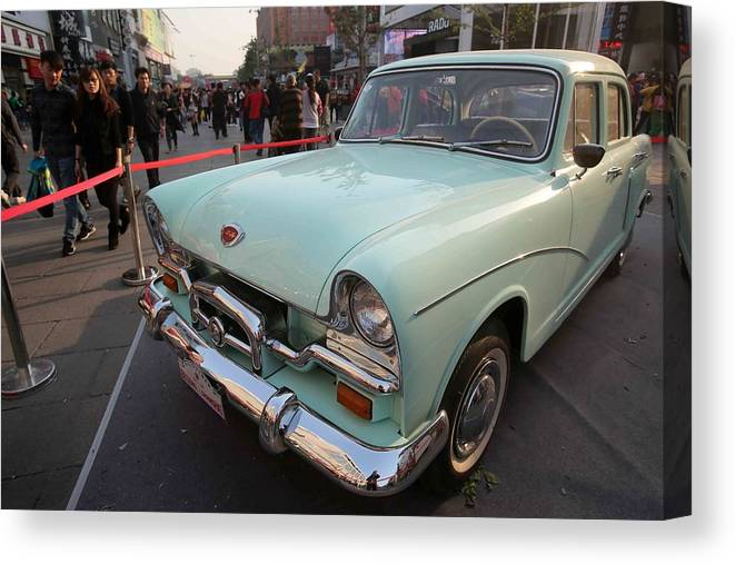 40 World Famous Brand Vintage Cars Make Debut In Beijing Canvas