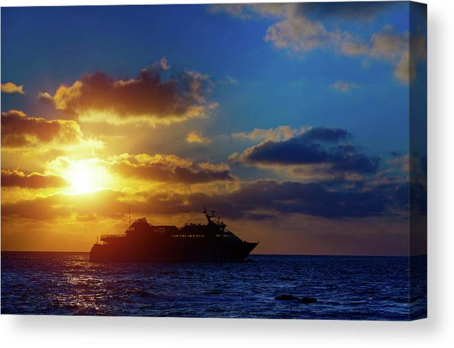 Nobody Canvas Print featuring the photograph Cruise Liner At Sunset by Wladimir Bulgar/science Photo Library