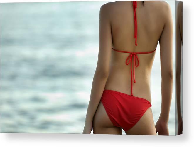 Curvy Sexy Back Of A Curvy Red Bikini Model  Canvas Print
