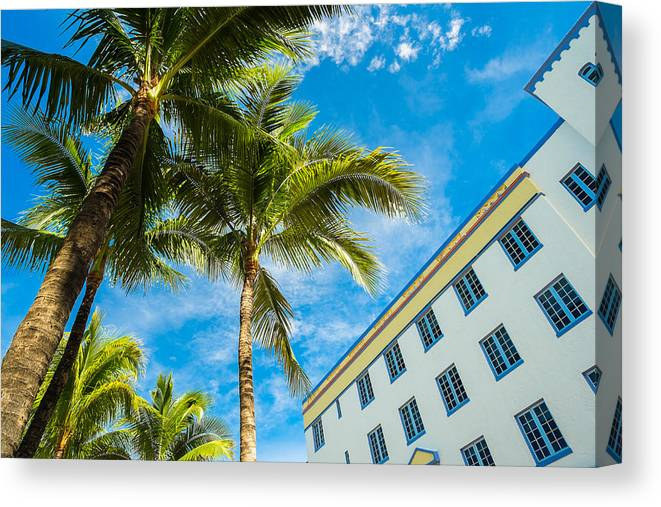 Architecture Canvas Print featuring the photograph Ocean Drive by Raul Rodriguez