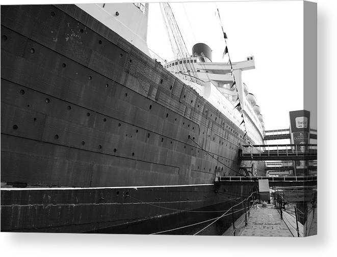 Queen Mary Canvas Print featuring the photograph Portside Bw Queen Mary Ocean Liner Long Beach Ca by Thomas Woolworth
