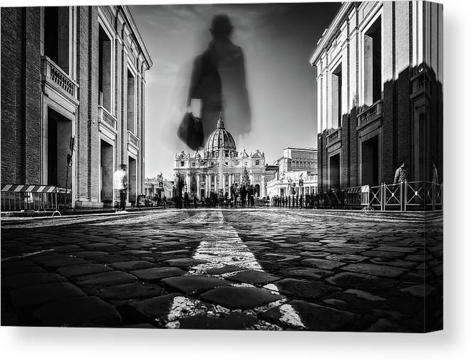 Rome Canvas Print featuring the photograph Road To St.peter by Massimiliano Mancini