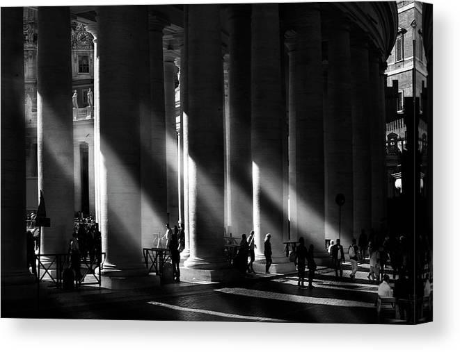 Monochrome Canvas Print featuring the photograph Roma - Piazza San Pietro, Citta? Del Vaticano by Artistname