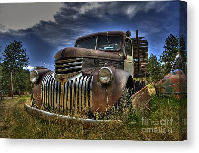 Chevrolet Canvas Print featuring the photograph Rusty Relic by Tony Baca